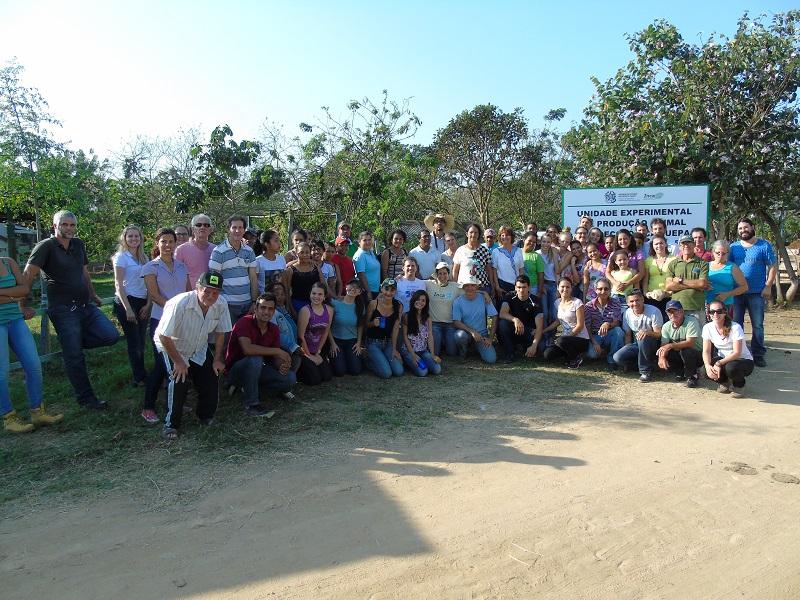 Práticas agroecológicas são difundidas em Mutirão Agroecológico em Linhares