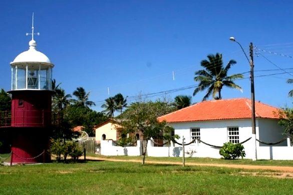 Entidades discutem com Governo do Estado demandas da comunidade de Regência em Linhares