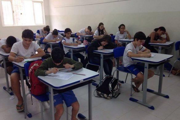 Escola de Rio Bananal recebe novas carteiras escolares