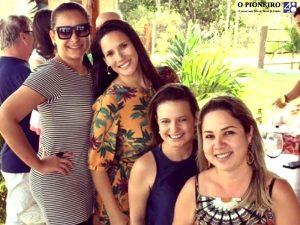 Caroline Monteiro, Vanessa Bergamaschi, Gina Grassi e Mirian Hantequestt em dia de churrasco e encontro com amigos na lagoa Jesuína