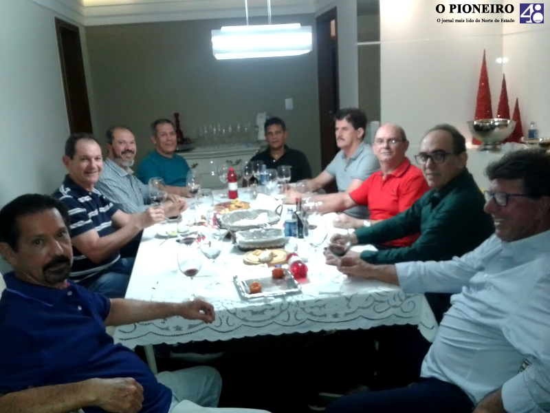 homens-confraria-do-vinho-linhares-jornal-o-pioneiro